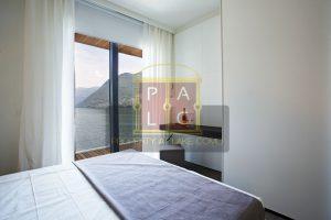 Como Lake Resort waterfront apartments