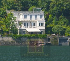 Waterfront villa for sale on lake Como