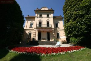 Lakefront Palace on lake Como for sale
