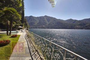 Parapetto unico sul lago di Como