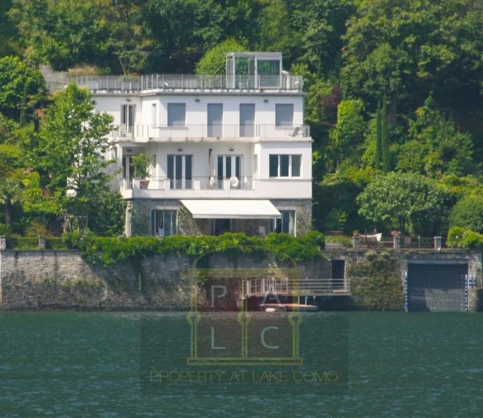 Villa direttamente a lago in Laglio