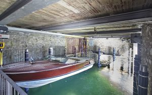 Villa with boathouse in Como for sale