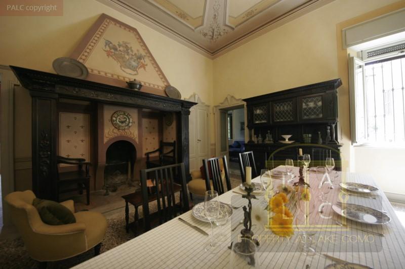 camino in villa storica in vendita a Como
