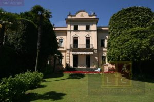 Historische Villa mit tr aumblick uber Comer See