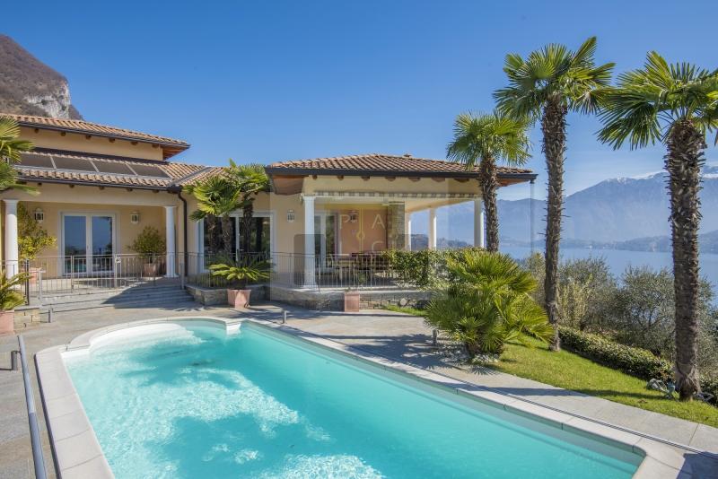 Prachtvolle Moderne Villa mit Traumblick über den Comer See