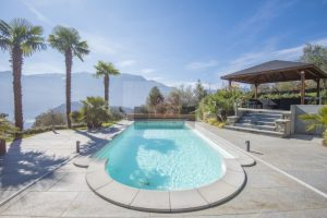 Villa on Lake Como for sale with swiming pool in Tremezzina
