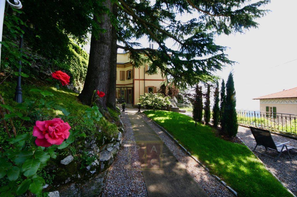 20 renovated villa with mature garden