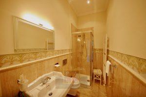 8 bathroom 3