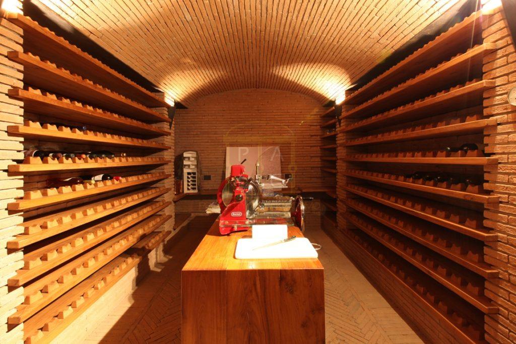 villa di lusso con cantina vino a Como