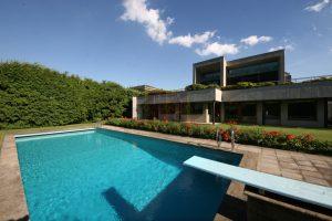Prestigiosa villa moderna a Como