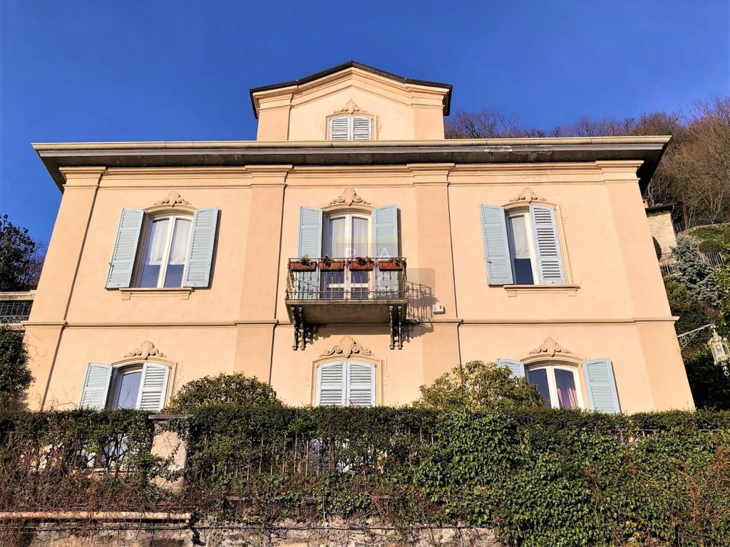 Main facade of a liberty villa for sale in Como