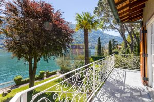 waterfront villa at lake Como in Laglio
