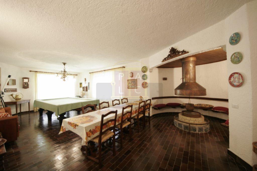12 taverna