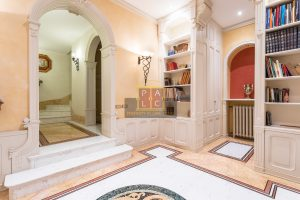entrance in Prestigious villa in Cernobbio for sale