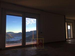salone con vista lago