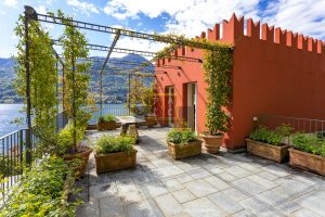 castle lake como for sale