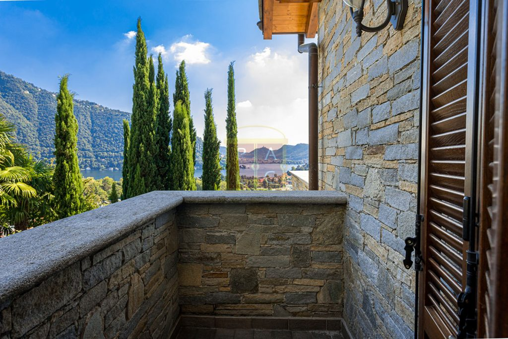 Exclusive Villa Cernobbio view