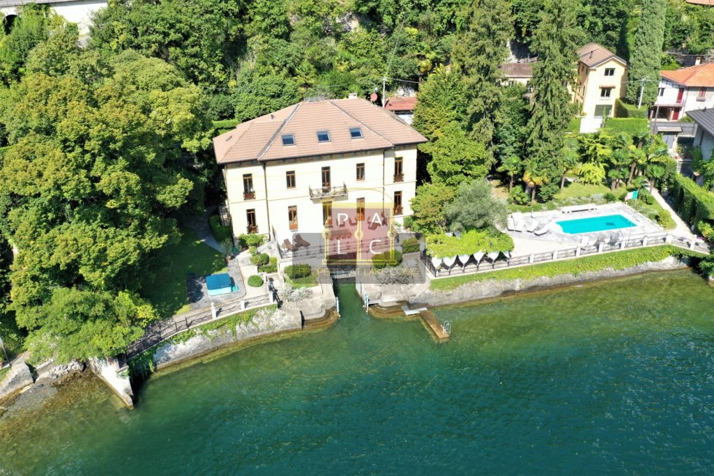 Grand Lakeside Villa with Swimming Pool and Boathouse on Lake Como